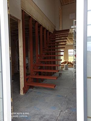 Kragarmtreppe im Holzhaus