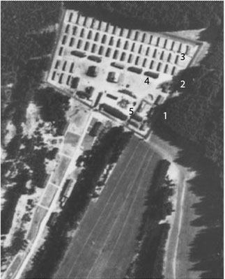 Luftbild April 1945  - Lager VII