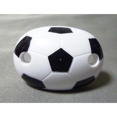 サッカーボールの形をしたおしゃぶり