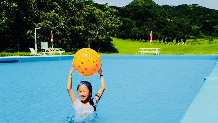 グリーンパークホテル 静かな山のプールは日帰り利用もできます