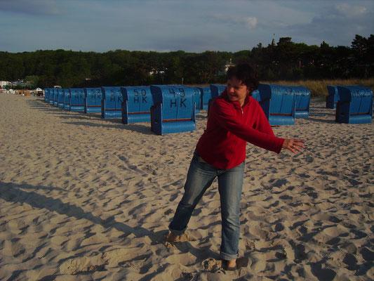 Energy Dance® geht auch am Strand Körper und Seele