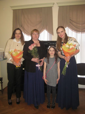 After the musical evening at Borovichi Museum with the participants - pianist and composer Elena Astafieva and soprano Svetlana Astakhova (right), and with a young listener.
