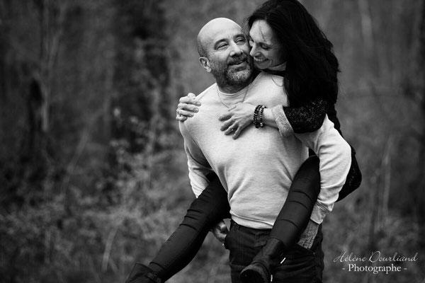 shooting photo de couple en extérieur
