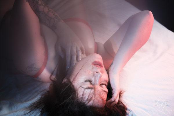 Réservez votre séance boudoir thème ambiance acidulée