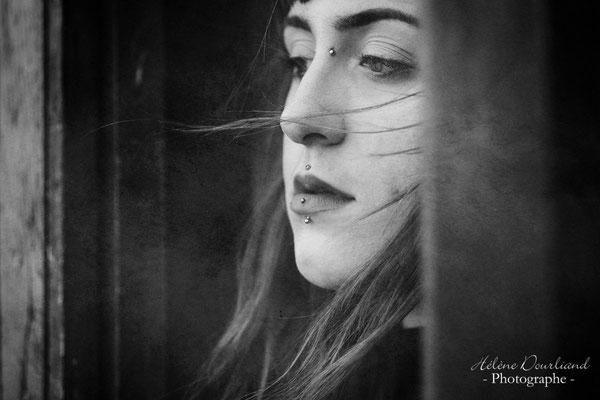 Photo portrait de Femme en extérieur près de Paris