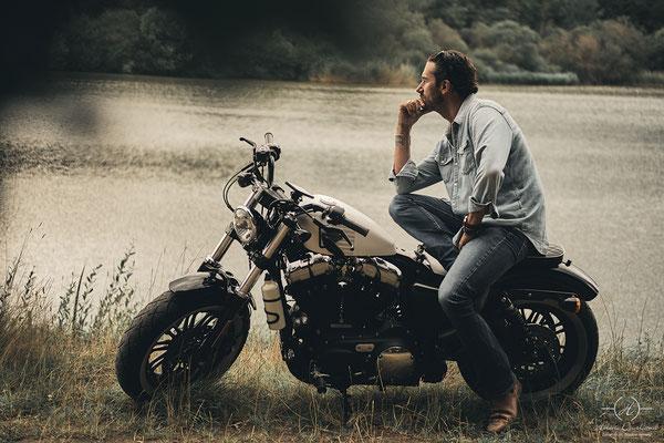 séance photo biker en pleine nature