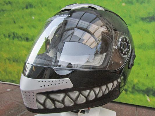 Helm mit Zähnen - Digitaldruck