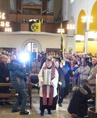 Dreifaltigkeitskirche  Saisoneröffnungsgottesdienst Stadt Tour Fussball Fieber Dortmund