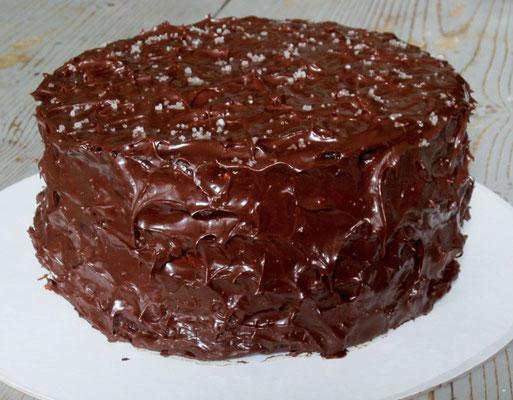 Gateau 3 étages au chocolat, ganache chocolat et fleur de sel