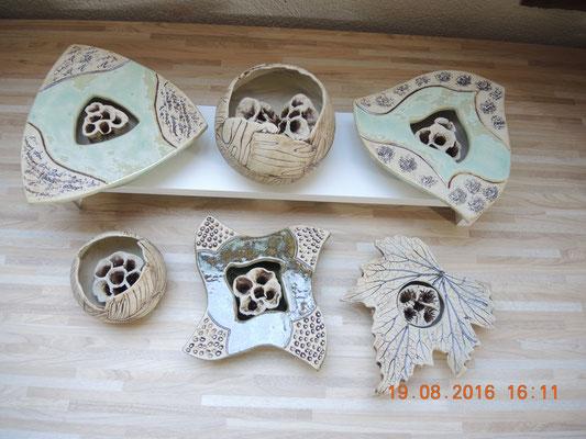 Vasen für einzelne Blüten die im Steck-Stein dekoriert werden
