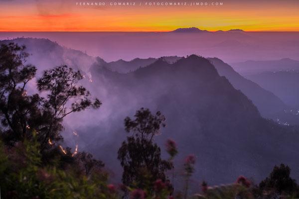 Amanecer en el pico Penanjakan / Dawn on Penanjakan Peak. Bromo-Tengger- Semeru National Park. Indonesia 2018
