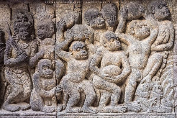 Bajo relieve. Templo hinduista de Prambanan / Bas-relief. Hindu temple of Prambanan. Yogyakarta. Central Java. Indonesia 2018