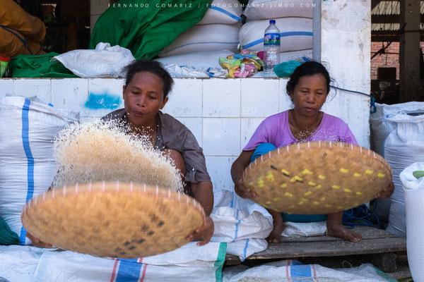 Mercado manggarai / Manggarai  Market. Labuanbajo. Flores. Nusa Tenggara. Indonesia 2018