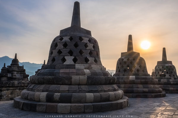 Atardecer / Sunset in Borobudur. Central Java. Indonesia 2018