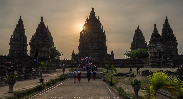 Atardecer en Prambanan / Sunset in Prambanan. Yogyakarta. Central Java. Indonesia 2018