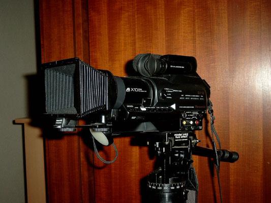 Meine erste sehr teure Video-Kamera, eine Panasonic für S-VHS-C Format