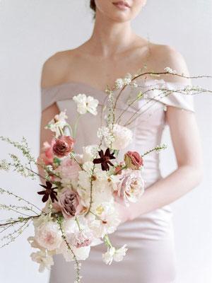 bouquet fleurs mariage minimaliste romantique