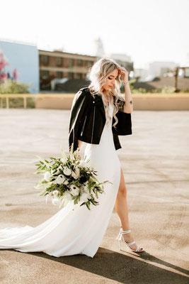 Mariée rock minimaliste noir et blanc