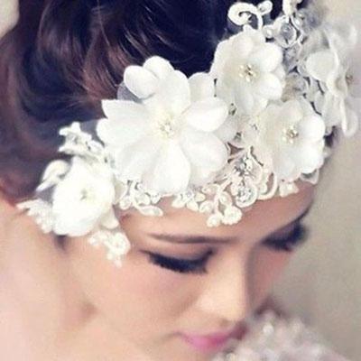 accessoire cheveux dentelle fleurs mariée