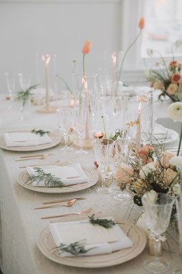 Table des mariés minimaliste romantique