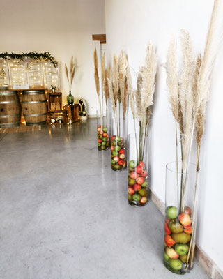 Décoration mariage pommes pampa