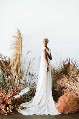 Mariée mariage exotique minimaliste naturel