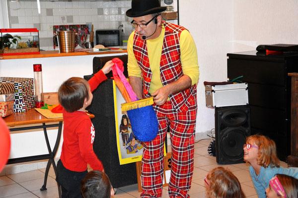 Magicien anniversaire enfant Gard