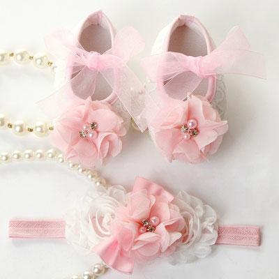 Chaussons blanc rose bébés baptême