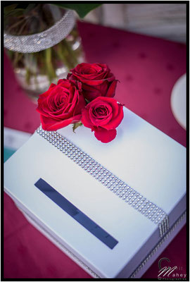 urne mariage blanche strass roses rouges