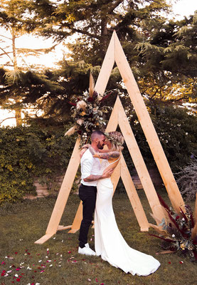 arche triangulaire mariage folk boho minimaliste photographe Elixir Photos