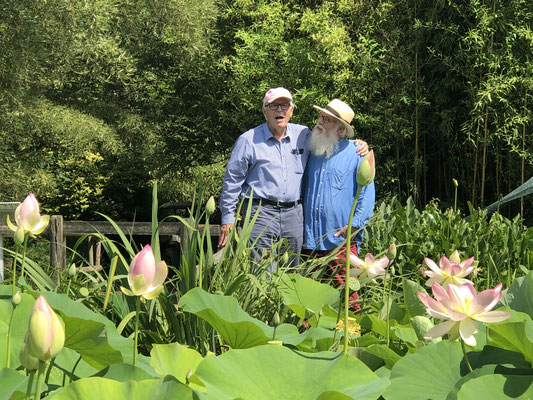 Foto: Petra Schweim -  Professor Hans-Dieter Warda und Gartenbotschafter John Langley