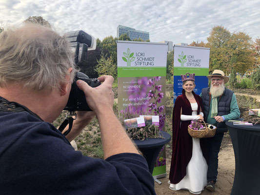 Foto: Petra Schweim - Heidekönigin Sarah Winkelmann aus Schneverdingen