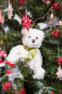 Foto: Claudia Timmann (C); Recherche - Petra Schweim, Dekoration - John Langley - Weihnachtsbaum 2017