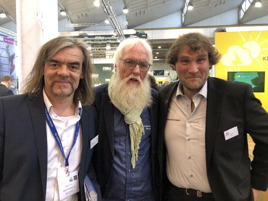 "Redakteur Tjards Wendebourg: Diplom-Ingenieur agr.  und Rosen-Experte Thomas Proll sehen die grüne Branche ""ROSIG""."