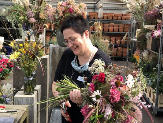 Referentin: Kerstin Niebling - Freischaffende Floristmeisterin