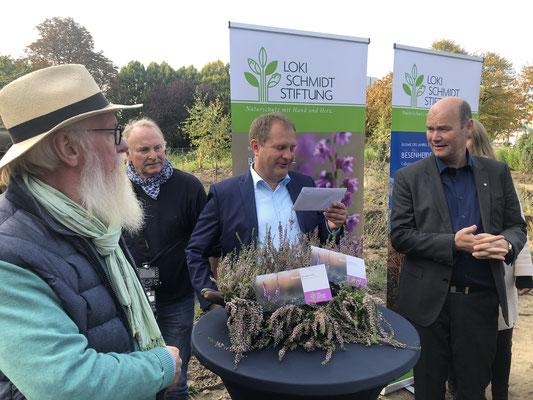 Blume des Jahres 2019 - Jens Kerstan und GF der LSS Axel Jahn