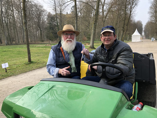 Veranstalter Jan Siemsglüs und Gartenbotschafter John Langley® on Tour