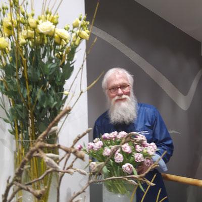 Foto: P.S. - Frühling im Hause C.J. Schmidt mit dem Gartenbotschafter John Langley®