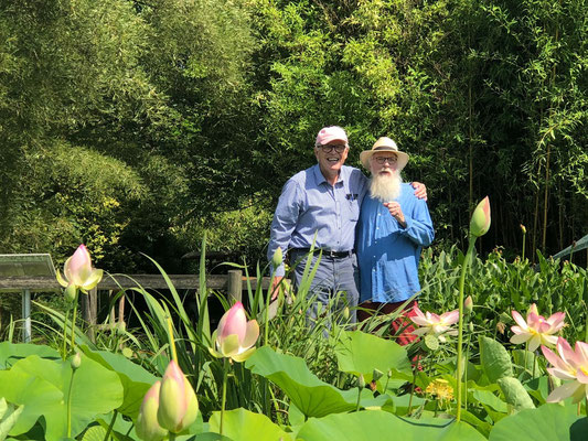 Norddeutsche Gartenschau - Prof. Dipl.-Ing. Hans-Dieter Warda & Gartenbotschafter John Langley® - Foto: Petra Schweim