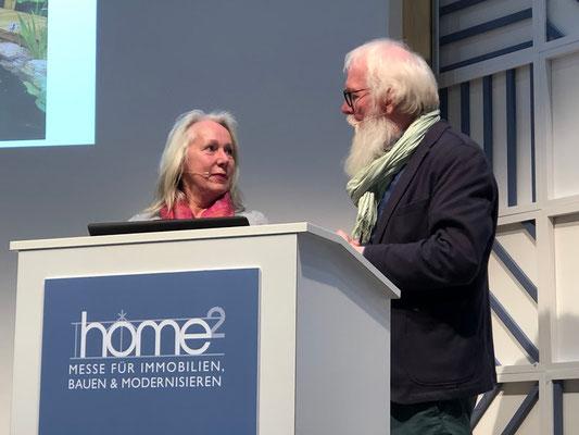 HOME² in Hamburg -  Ing. Matina Buttjes vom Grundeigentümer Verband Hamburg referiert über die Gestaltungsmöglichkeiten