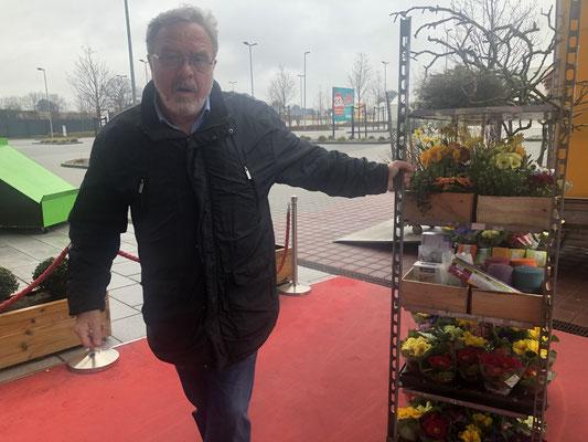 Hier ist Werner Pein vom Blumenhof Pein gut in Fahrt.