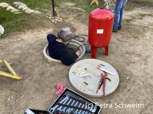 Foto: Petra Schweim - Gartenbrunnen und Technik