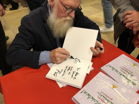 Foto: Petra Schweim - Mit diesem Buch helfen Sie Unfallkindern! #Weihnachtsleben! Prominente und ihre Weihnachtsgeschichten.