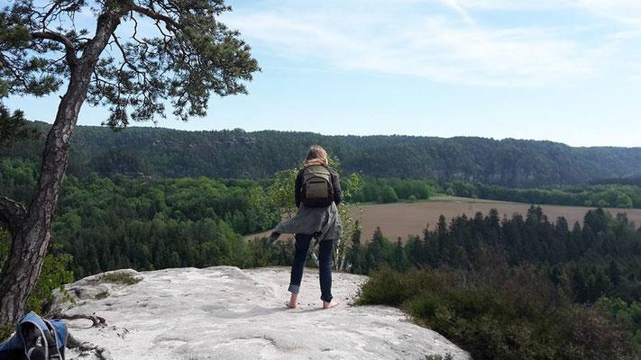 Petra Hinze Frauenwissen und Schamanismus: Reise ins Elbsandsteingebirge, Ausblick
