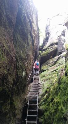 Petra Hinze Frauenwissen und Schamanismus: Reise ins Elbsandsteingebirge, Tour