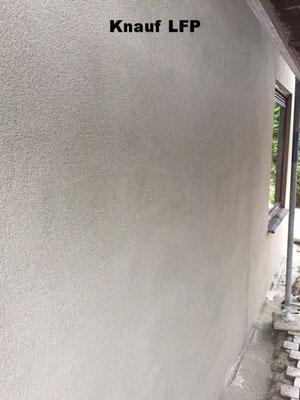 muur weer strak met een waterafstotende pleister