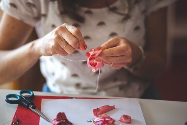La mariée en fleur. Confection sur mesure et artisanale de bouquets et accessoires de mariage originaux et intemporels en fleurs en tissus et papiers