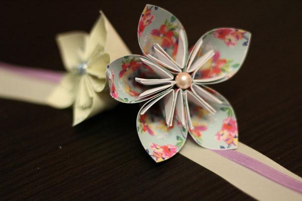 Bracelet origami mariée ivoire et poudré fleuri