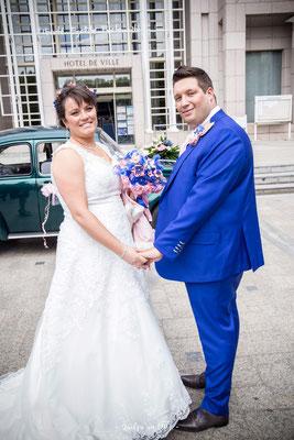 Céline et Christophe, mariés 2018, rose et bleu saphir. Bouquet et accessoires par la mariée en fleur. Crédit photo: Quelqu'un de
