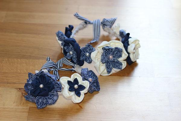 Duo de couronnes de fleurs éternelles en tissus marinière bleu marine et blanc, modèle adulte ou petite fille par La mariée en fleur